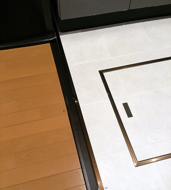 キッチンDIY大作戦 床のフローリングとビニール床